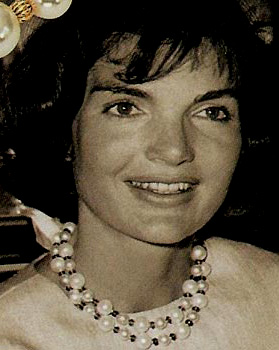 jackie o and her fake pearls