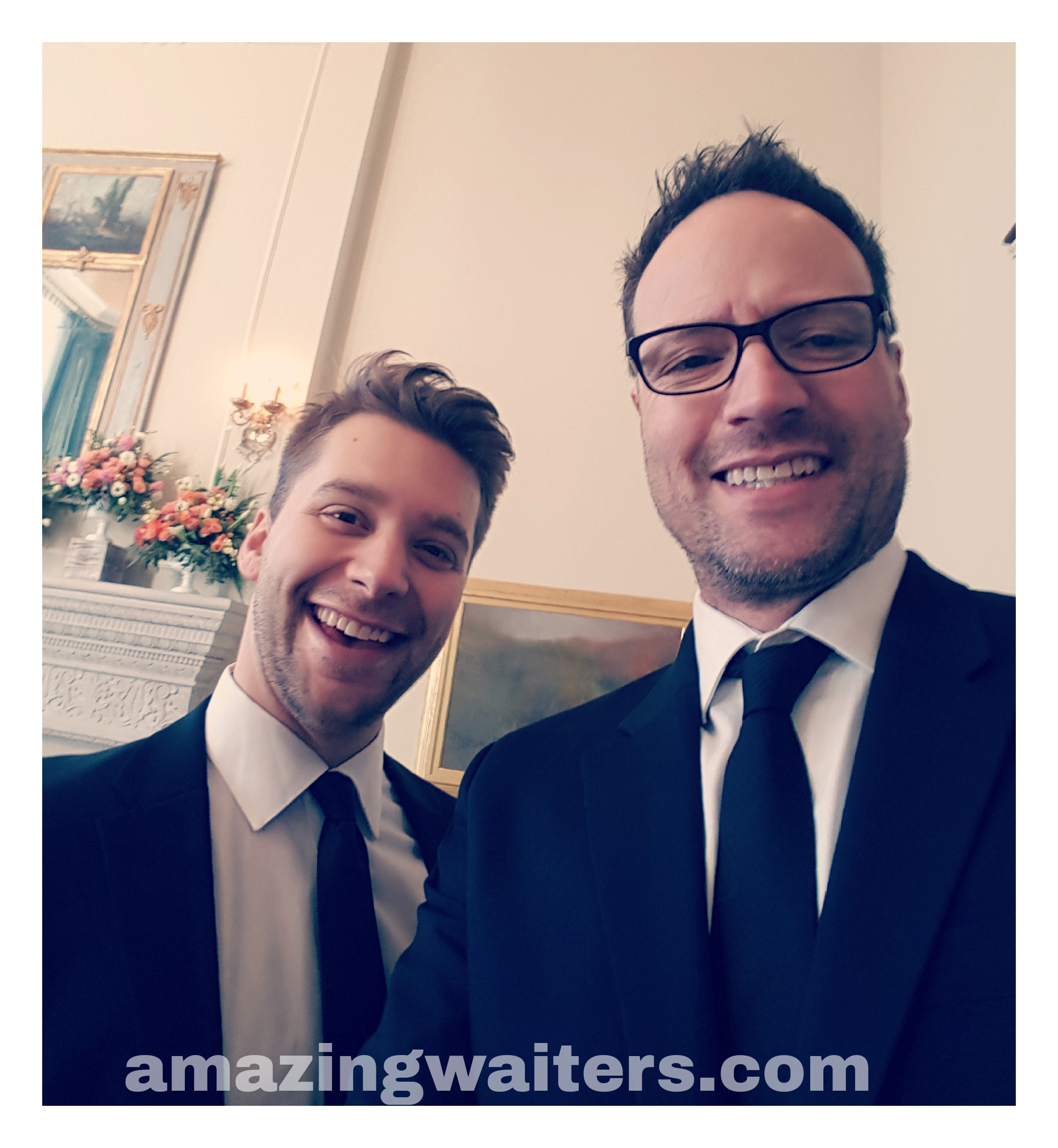 2-amazing-singing-waiters